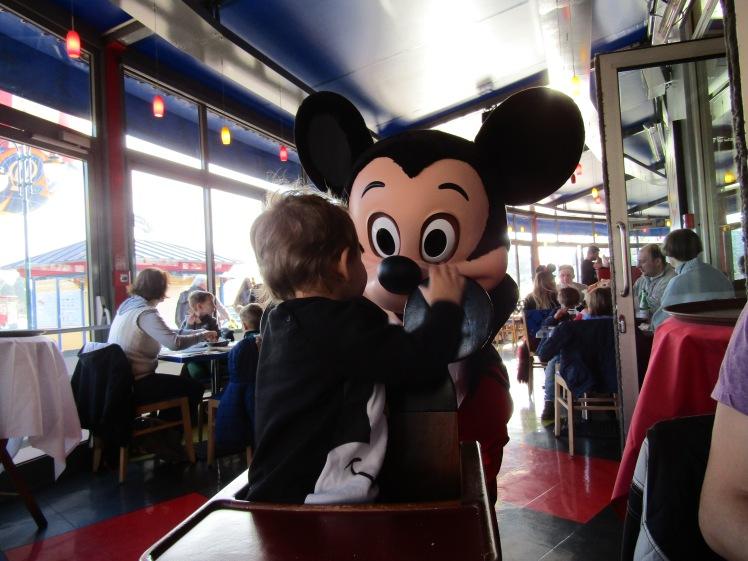 92. Disneyland París-cumple Xènia.JPG